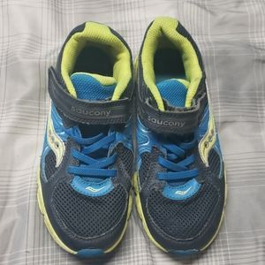 Boys saucony shoes size 1.5